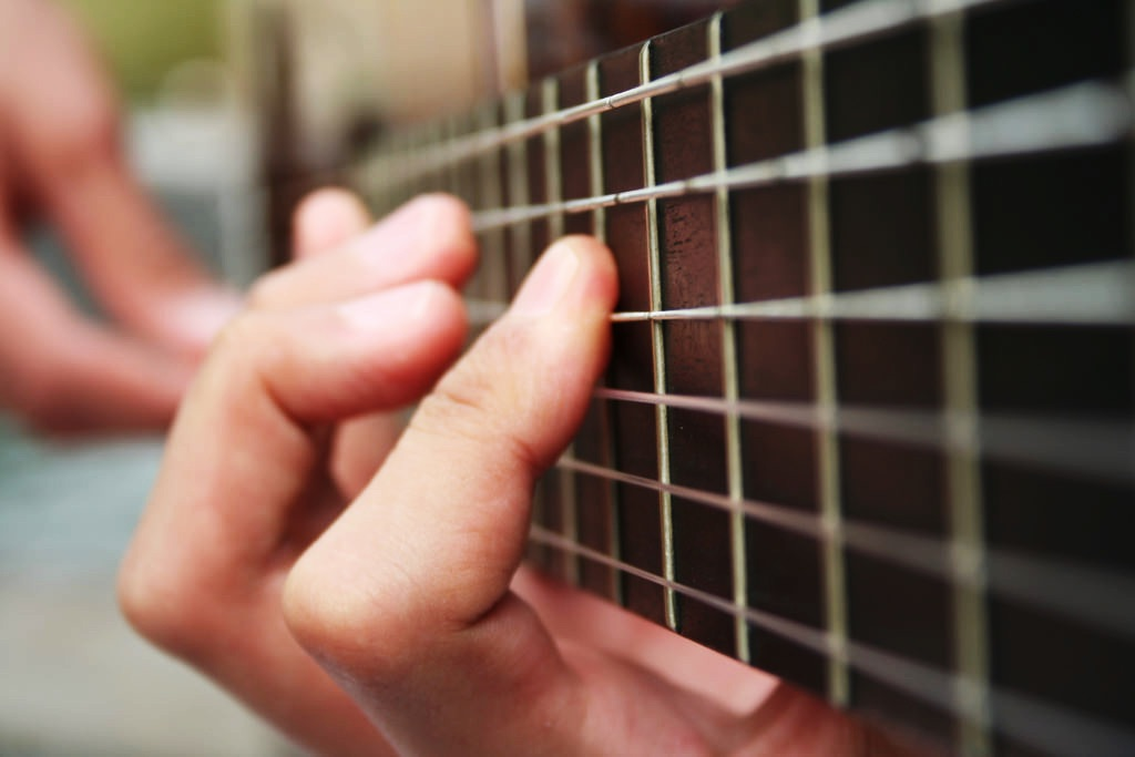 10 Quick Tips For Mastering Guitar Chords